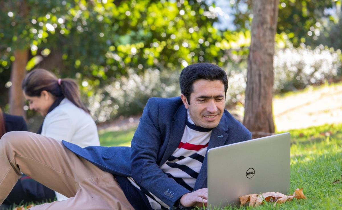 Australia Awards scholar studying outside